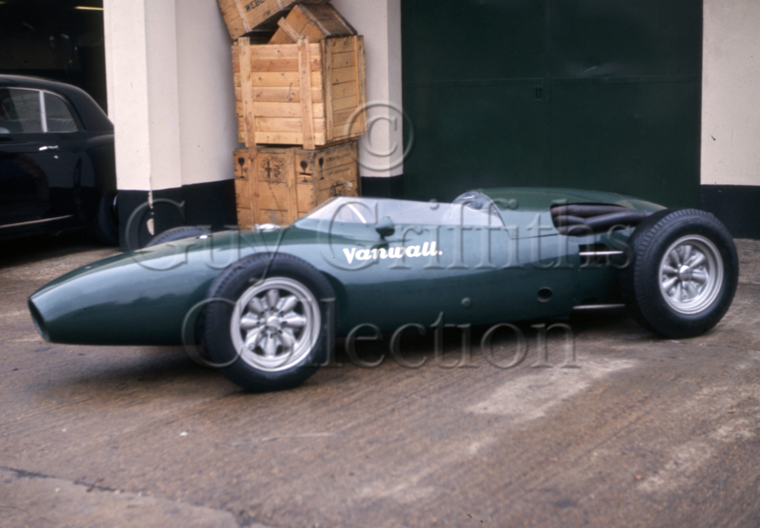 C-8-112–Vanwall–Vanwall-factory–20-11-1968.jpg - Guy Griffiths Collection