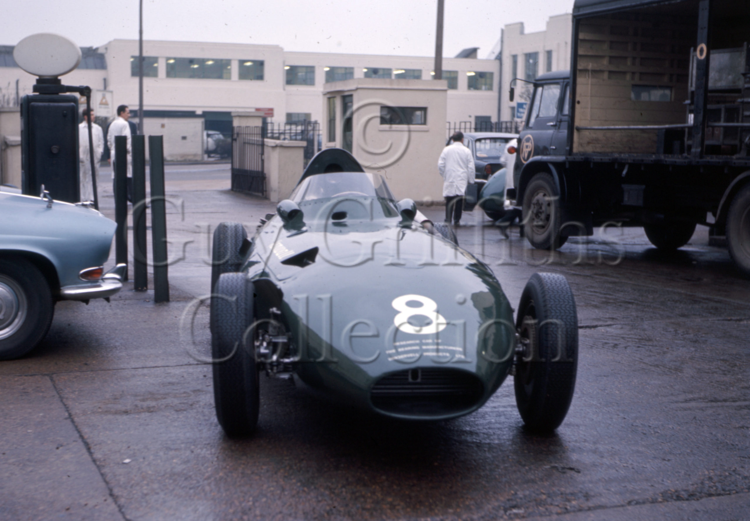 C-8-163–Vanwall–Vanwall-factory–20-11-1968.jpg - Guy Griffiths Collection