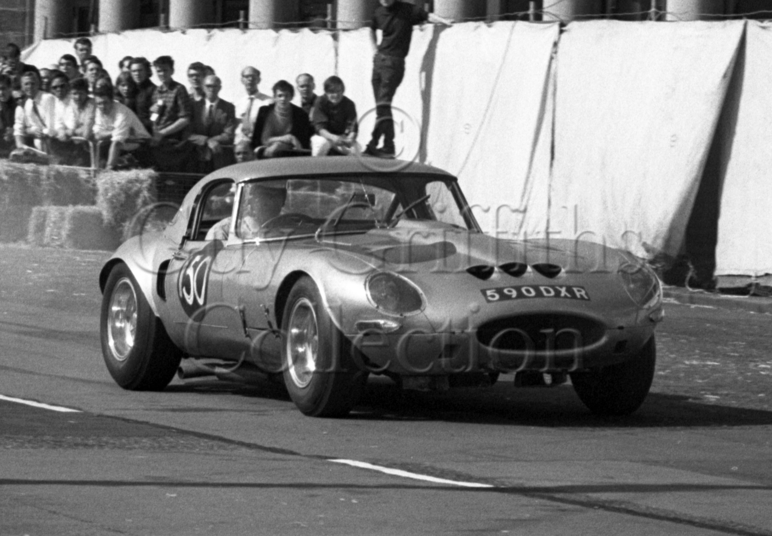 102-1003–G-Richardson–Jaguar-Egal-590-DXR–Brighton–17-09-1966.jpg - Guy Griffiths Collection