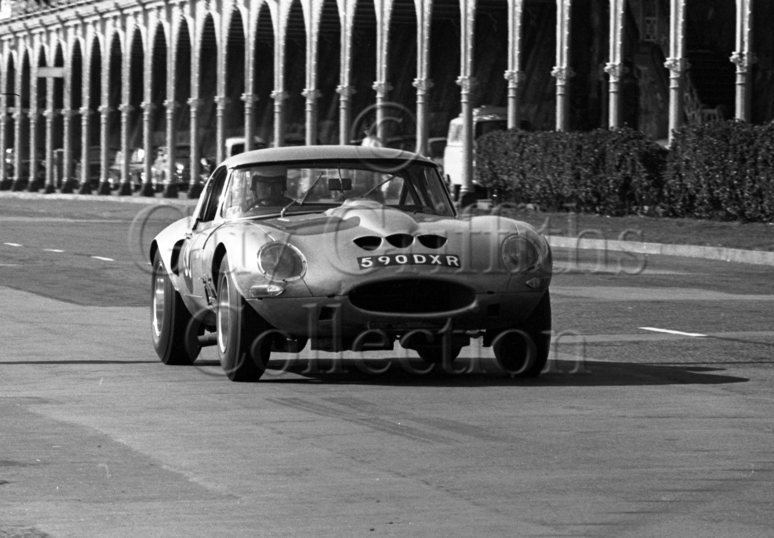 103-141–G-Richardson–Jaguar-Egal-590-DXR–Brighton–17-09-1966.jpg - Guy Griffiths Collection