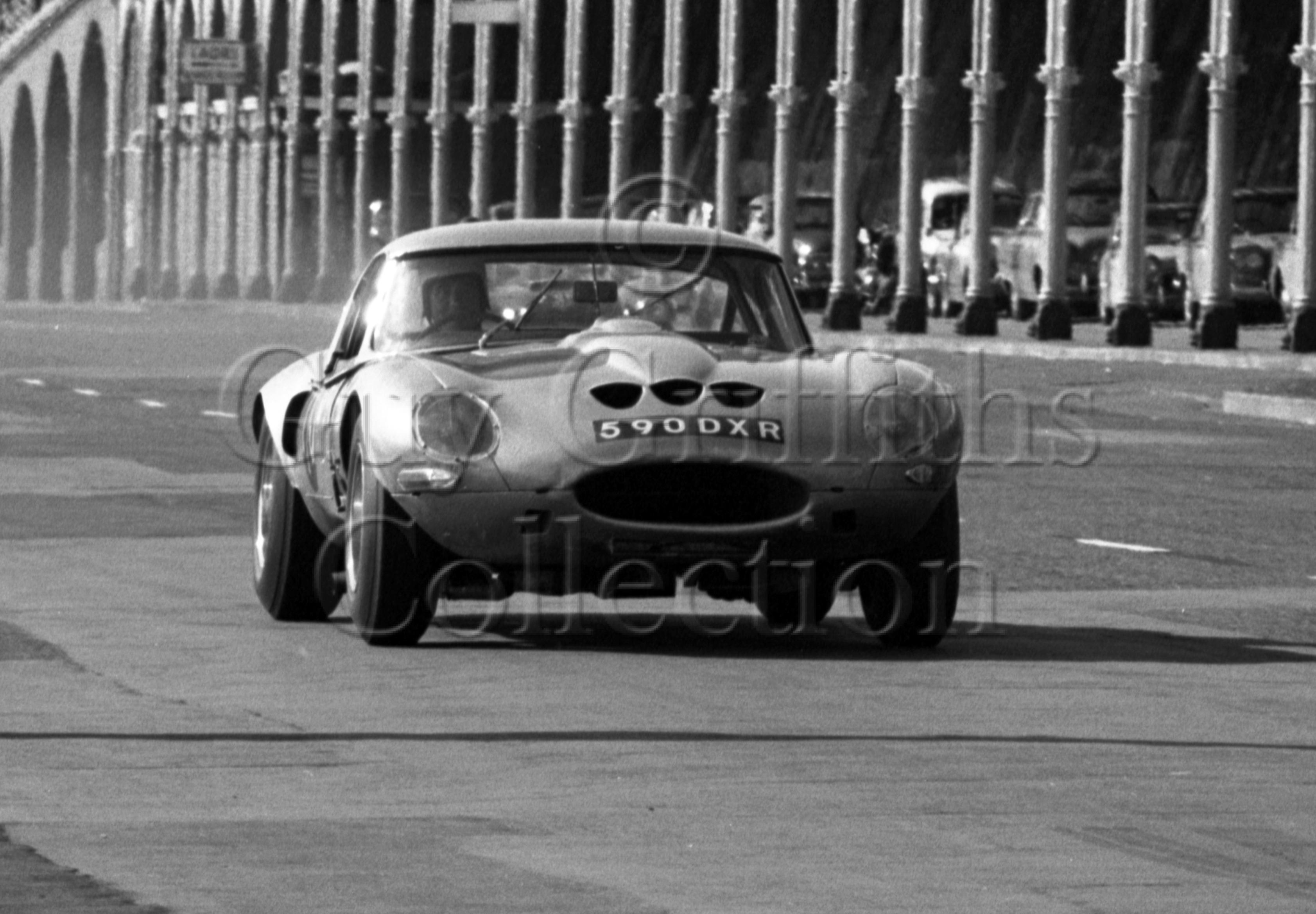 103-174–R-B-Beck–Jaguar-Egal-590-DXR–Brighton–17-09-1966.jpg - Guy Griffiths Collection