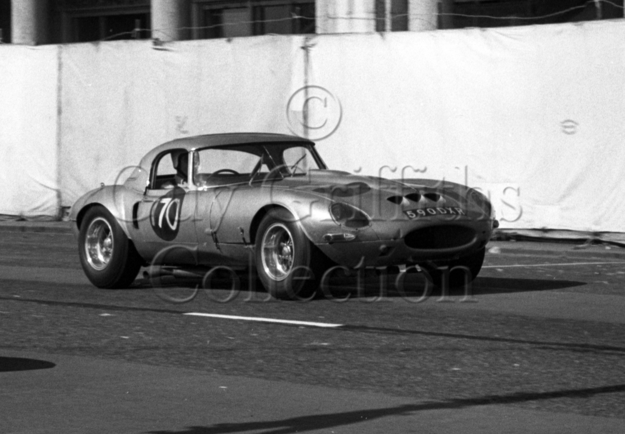 103-322–R-B-Beck–Jaguar-Egal-590-DXR–Brighton–17-09-1966.jpg - Guy Griffiths Collection
