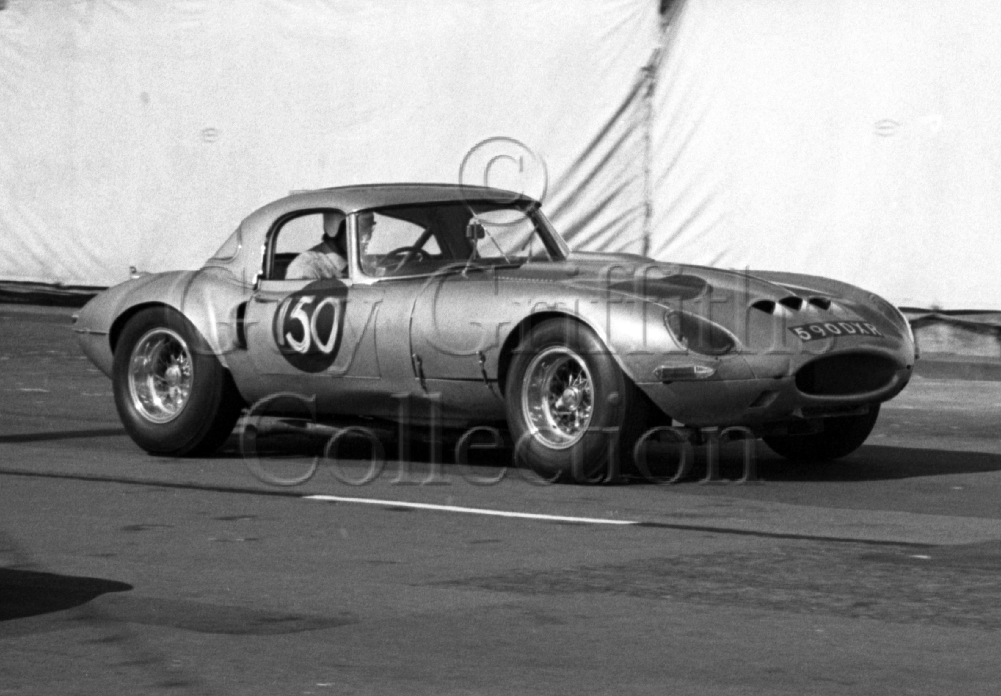 103-474–G-Richardson–Jaguar-Egal-590-DXR–Brighton–17-09-1966.jpg - Guy Griffiths Collection