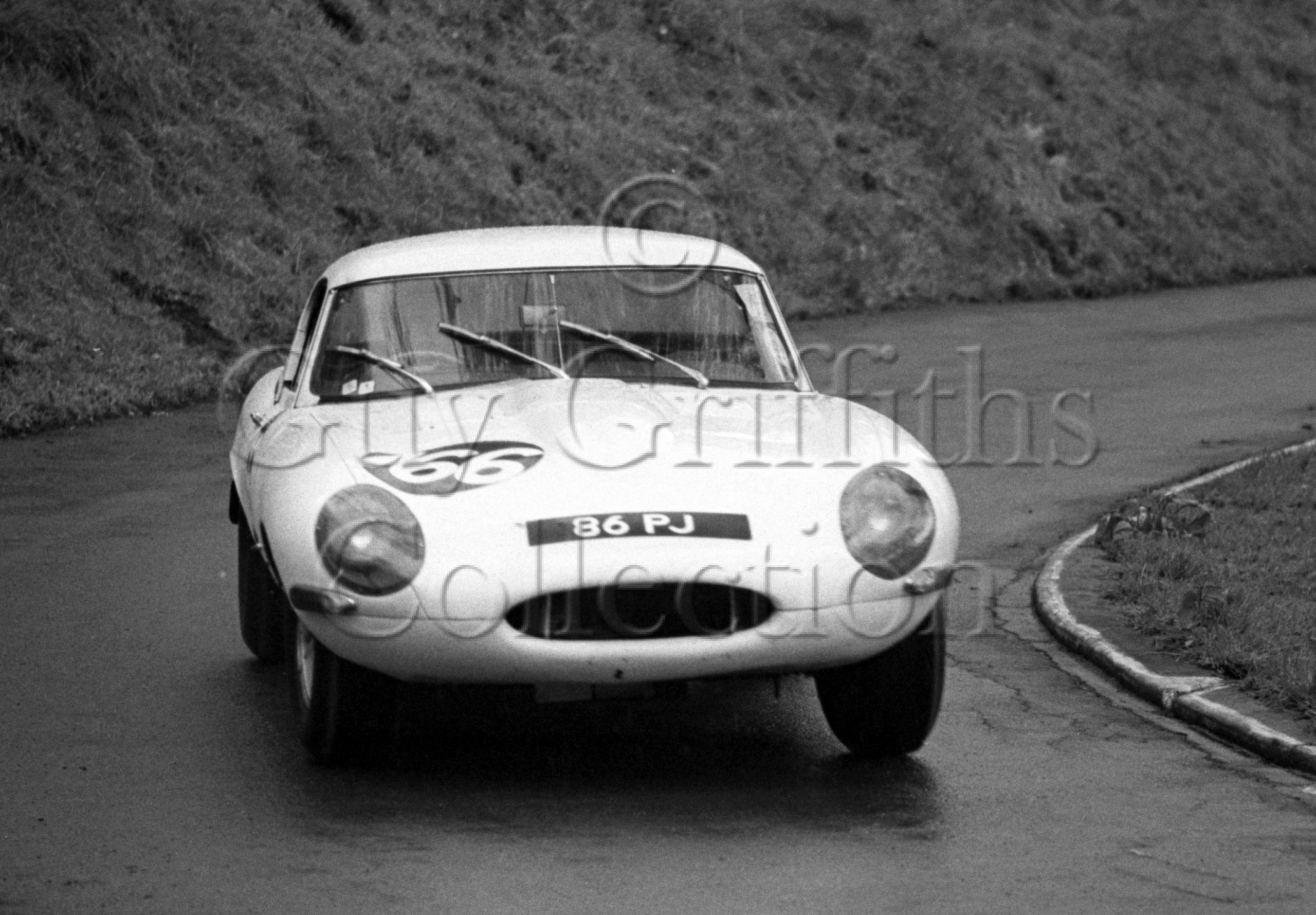 105-511–P-J-Griffiths–Jaguar-E-Type-86-PJ–Prescott–07-05-1967.jpg - Guy Griffiths Collection