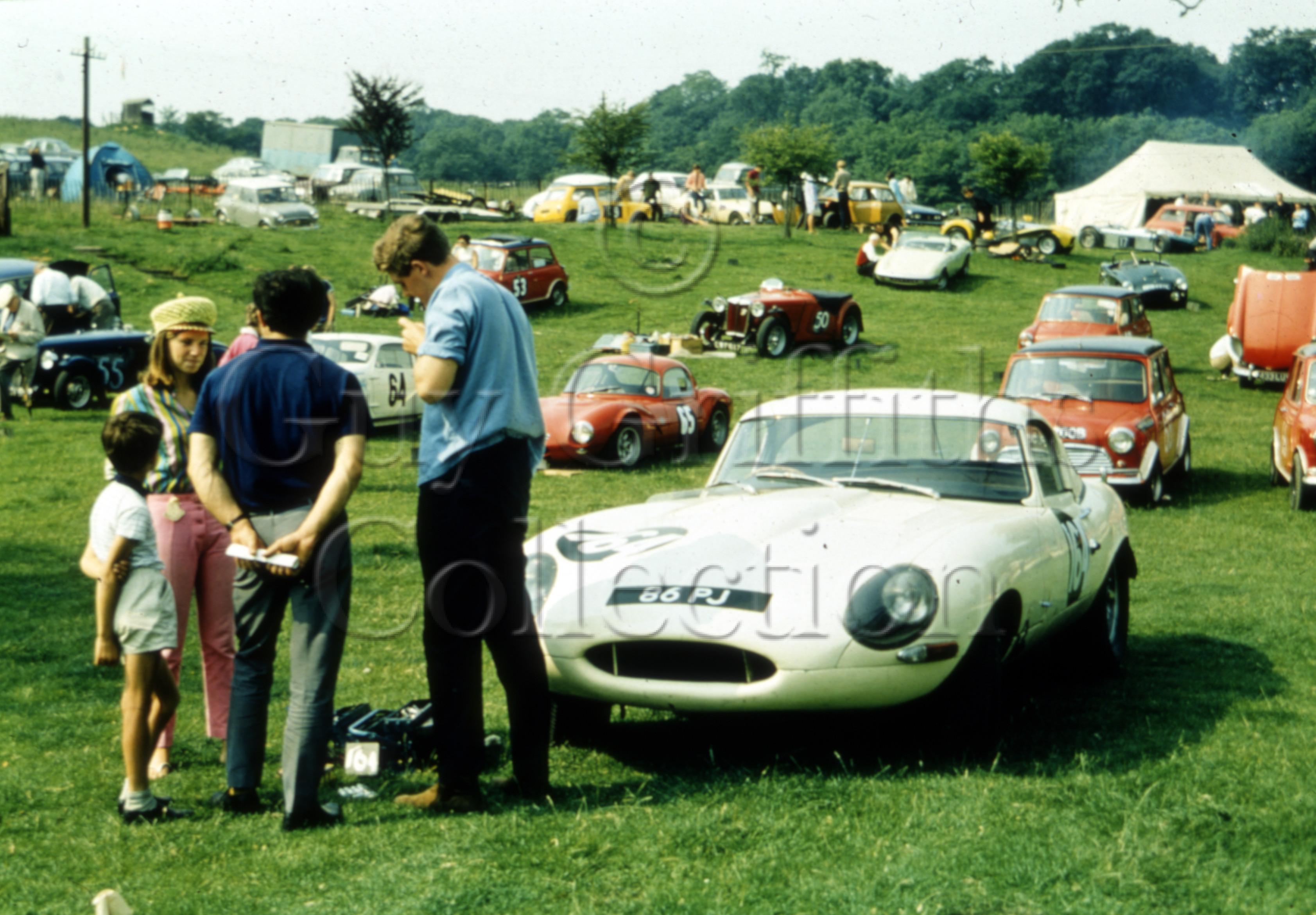 C-10-583–R-Woodley–Jaguar-E-Type-86-PJ.jpg - Guy Griffiths Collection