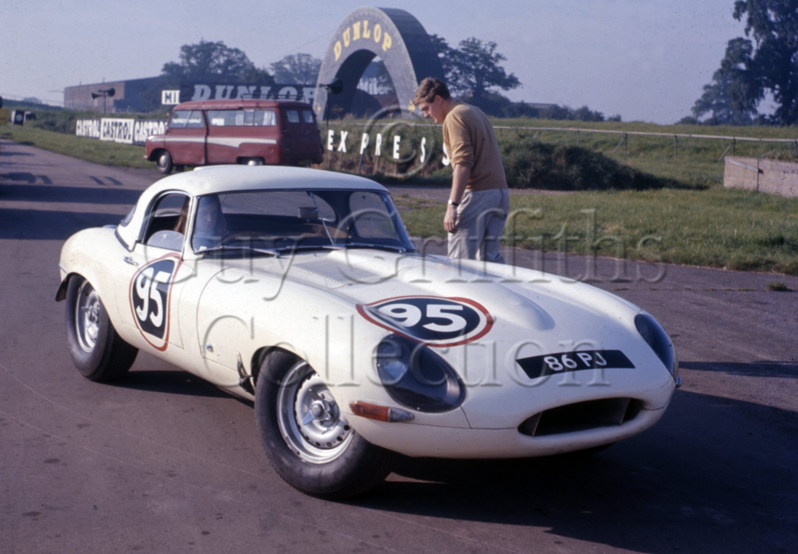 C-8-21–P-J-Woodley–Jaguar-E-Type-86-PJ.jpg - Guy Griffiths Collection
