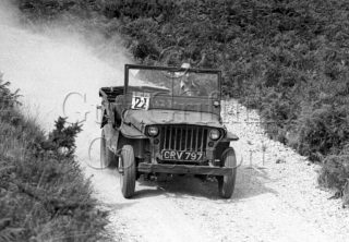 05-675–C-S-Dewey–Willys-Jeep–Cockley-Hill–10-08-1947.jpg - Guy Griffiths Collection