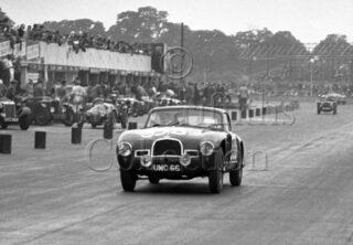 60-155–W-J-Sykes–Aston-Martin-DB2-2580cc–Silverstone–30-08-1952.jpg - Guy Griffiths Collection