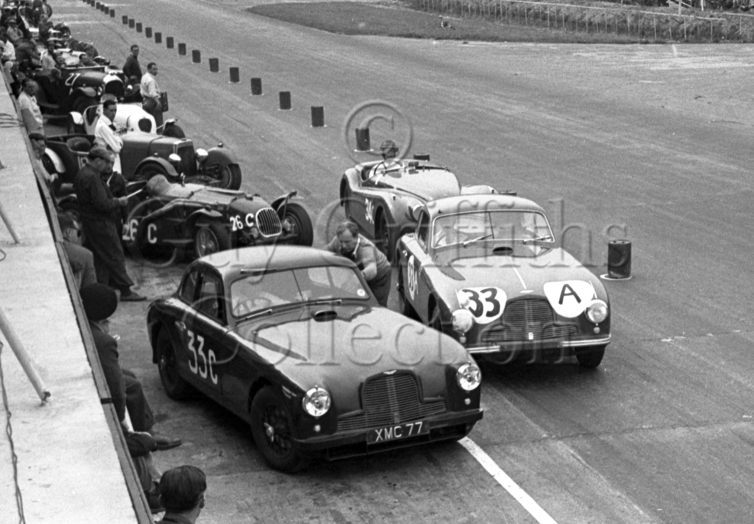 60-206–E-Thompson–P-Clark–Aston-Martin-DB2-2580cc–Silverstone–30-08-1952.jpg - Guy Griffiths Collection