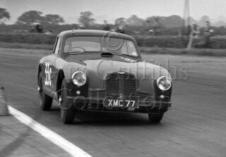 60-341–E-Thompson–Aston-Martin-DB2-2580cc–Silverstone–30-08-1952.jpg - Guy Griffiths Collection