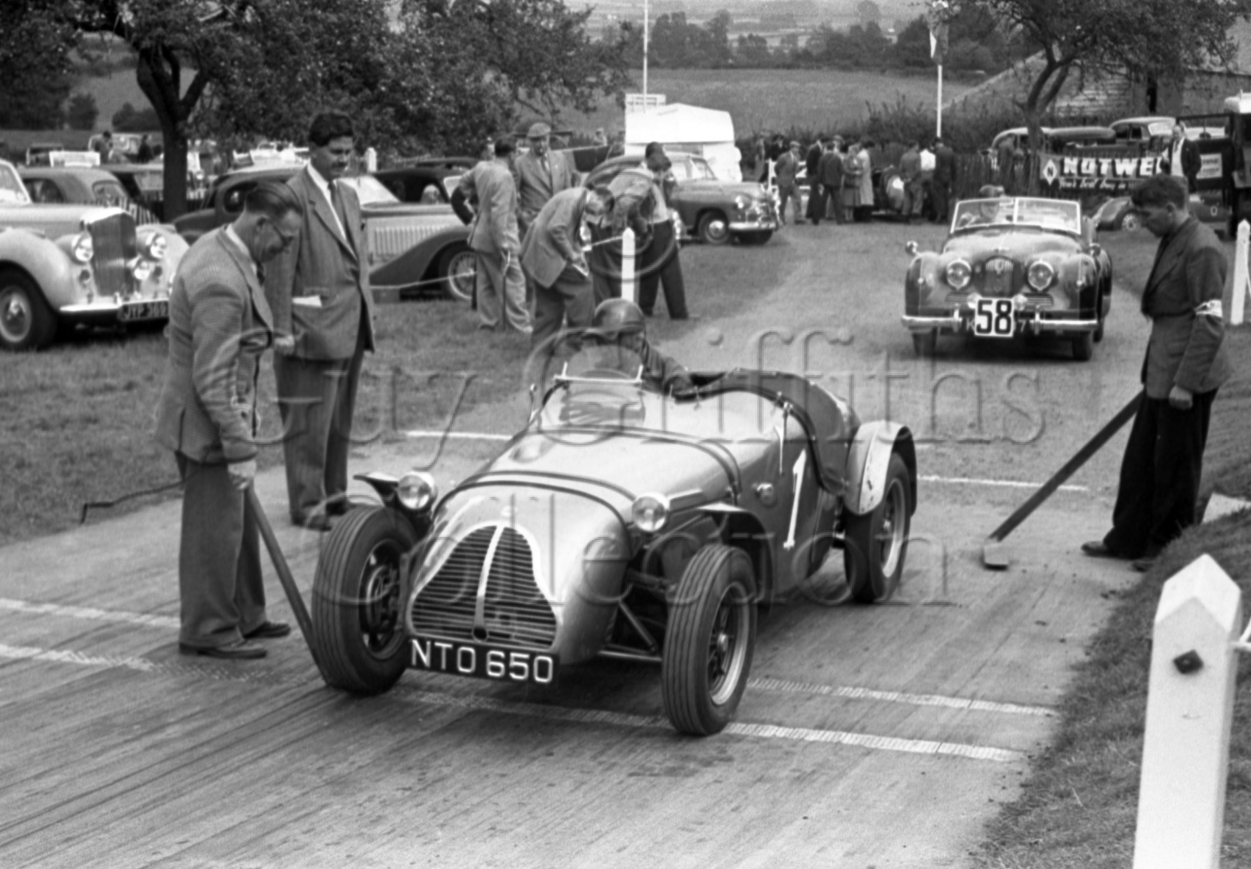 61-675–D-F-Ryder–Cooper-MG–NTO-650–Prescott-14-09-1952.jpg - Guy Griffiths Collection