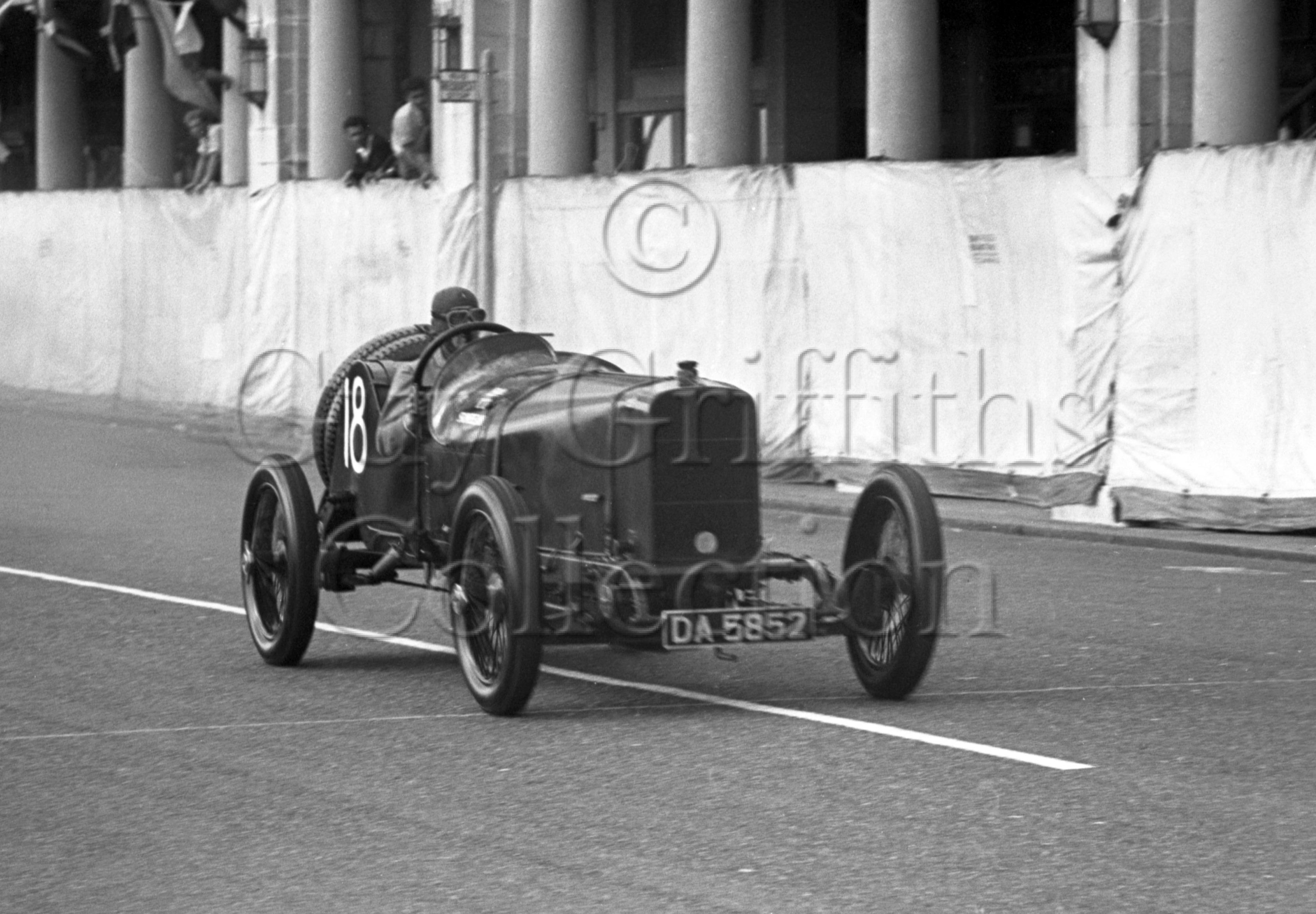 36-666–C-R-Abbott–Sunbeam-DA-5852–Brighton–02-09-1950.jpg - Guy Griffiths Collection