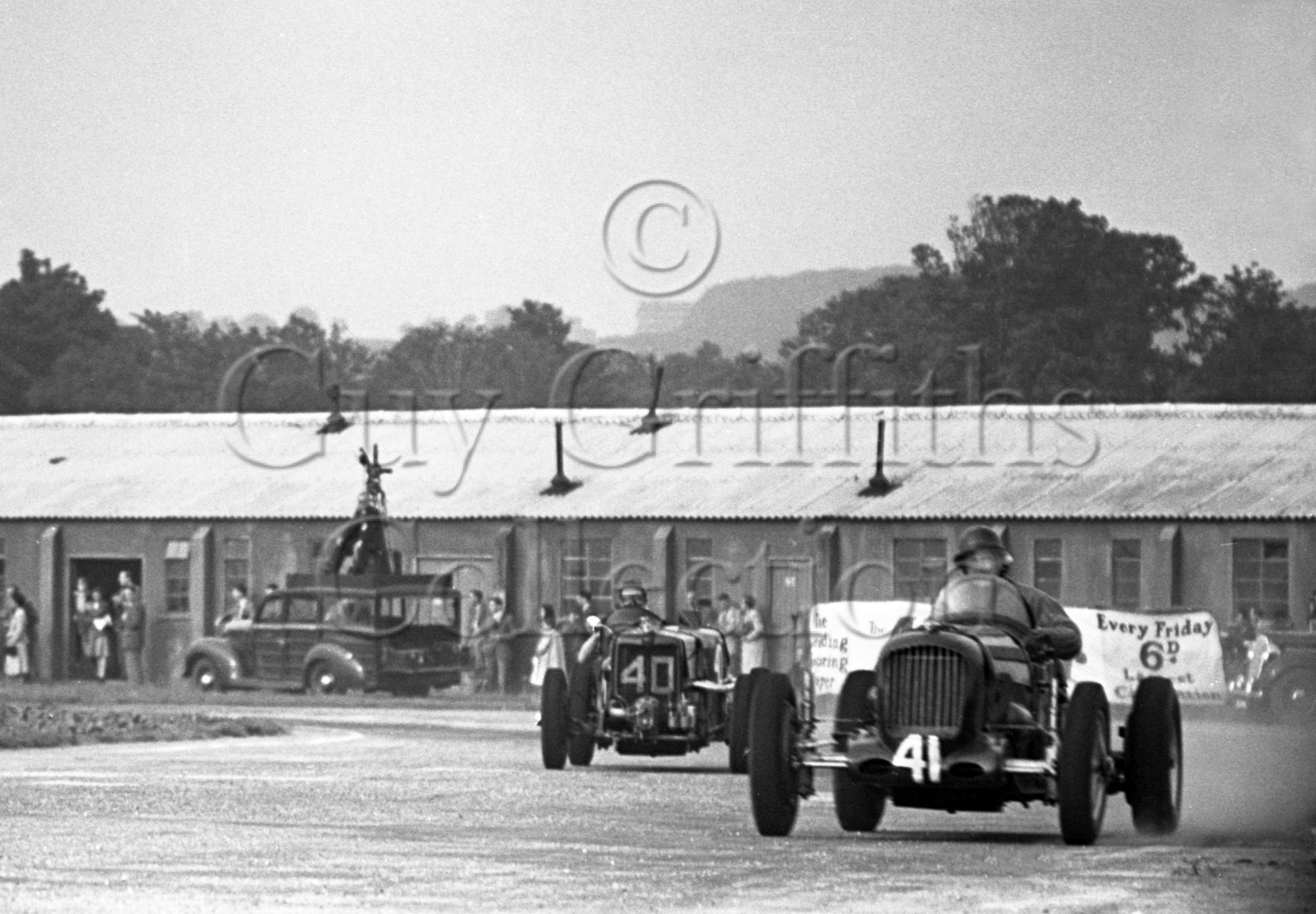 8-293–I-H-Nickols–Parnell-MG-K3–Goodwood–18-09-1948.jpg - Guy Griffiths Collection
