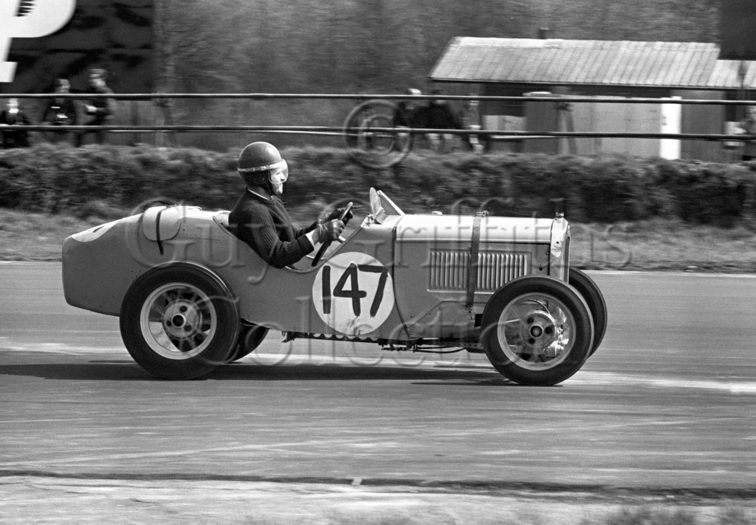 82-112–J-D-Rogers–Austin-Ulster–Silverstone–18-04-1964.jpg - Guy Griffiths Collection