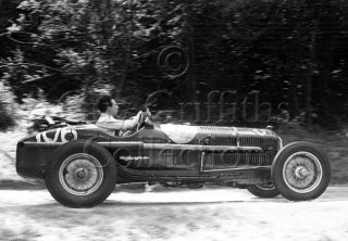 05-583–R-Salvadori–Alfa-Romeo–Great-Auclum–26-07-1947.jpg - Guy Griffiths Collection