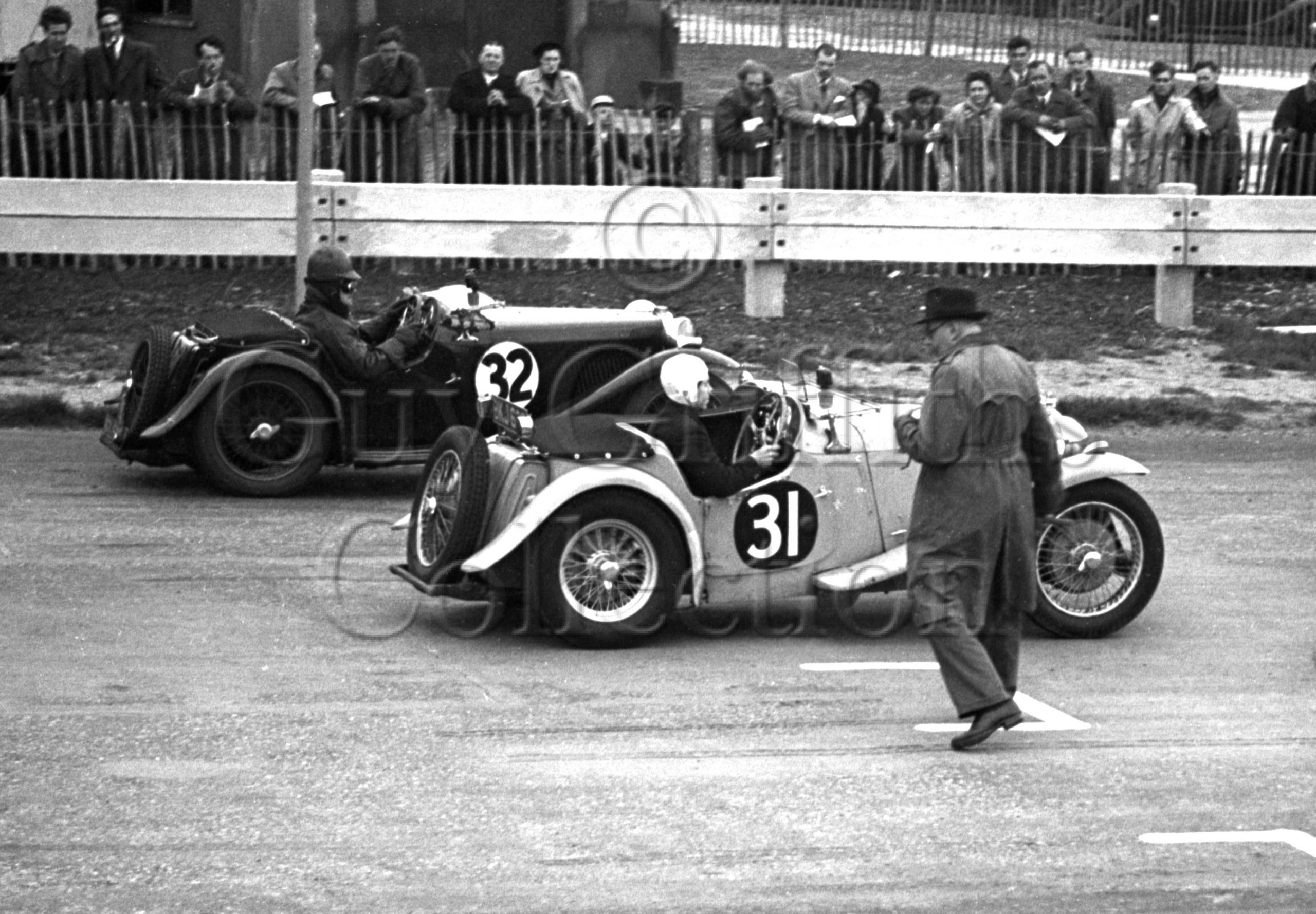 29-181–J-Nicholson-31–S-A-Mitchell-32–MG–Goodwood–06-05-1950.jpg - Guy Griffiths Collection