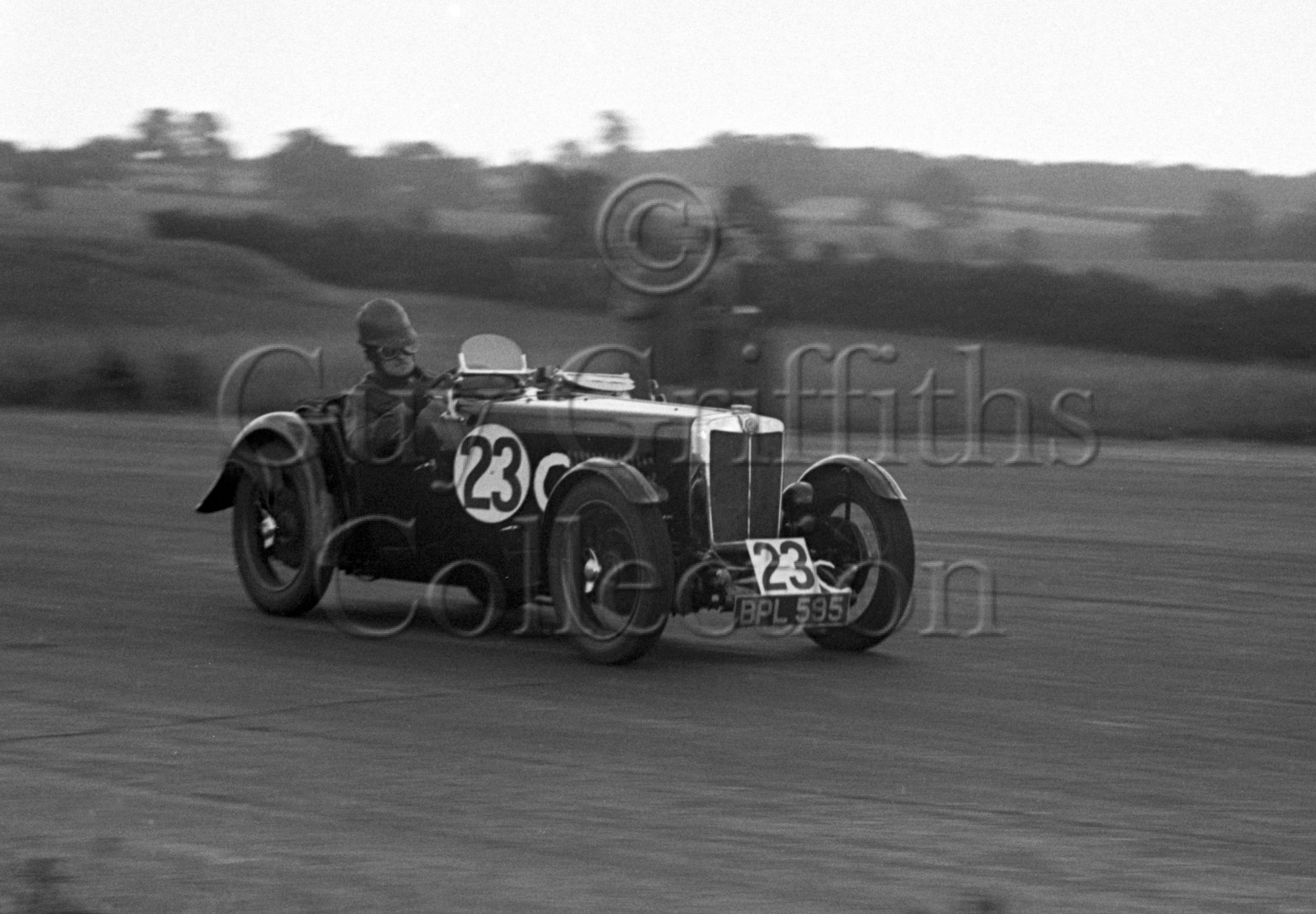 32-311–S-A-Mitchell–MG–Silverstone–17-06-1950.jpg - Guy Griffiths Collection