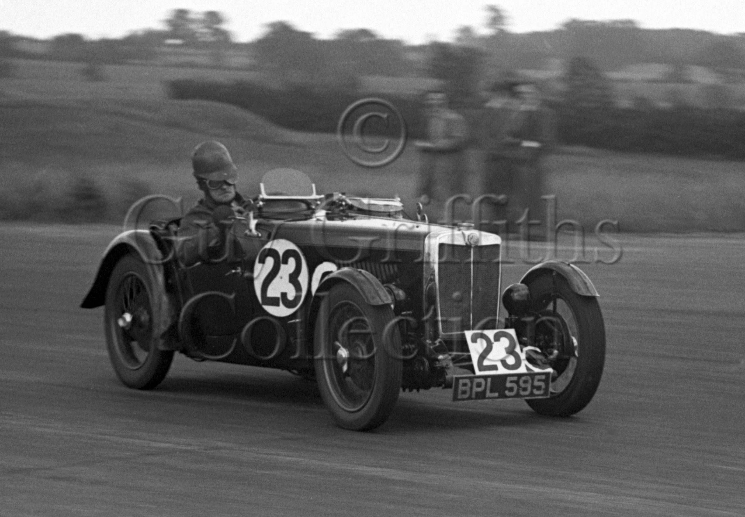 32-326–S-A-Mitchell–MG–Silverstone–17-06-1950.jpg - Guy Griffiths Collection