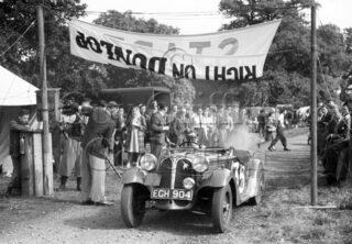 02-443–W-G-Davies–Frazer-Nash-BMW–West-Court-Speed-Trials–15-09-1946.jpg - Guy Griffiths Collection