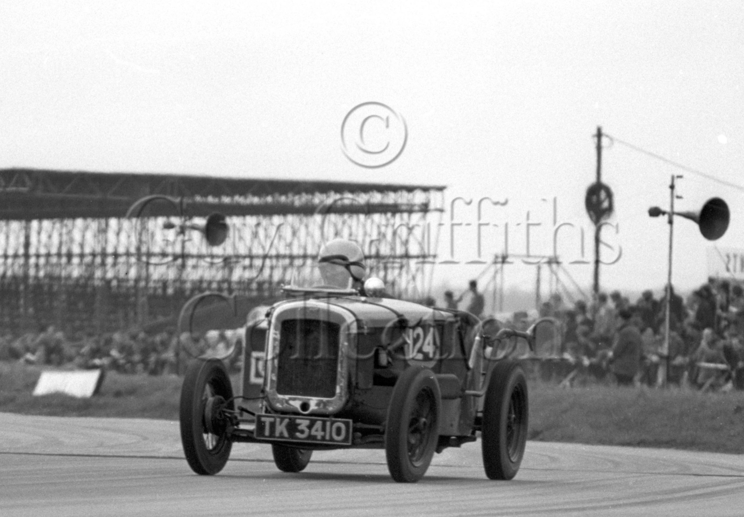 116-136–M-F-Eyre–Austin–TK-3410–Silverstone–19-04-1969.jpg - Guy Griffiths Collection