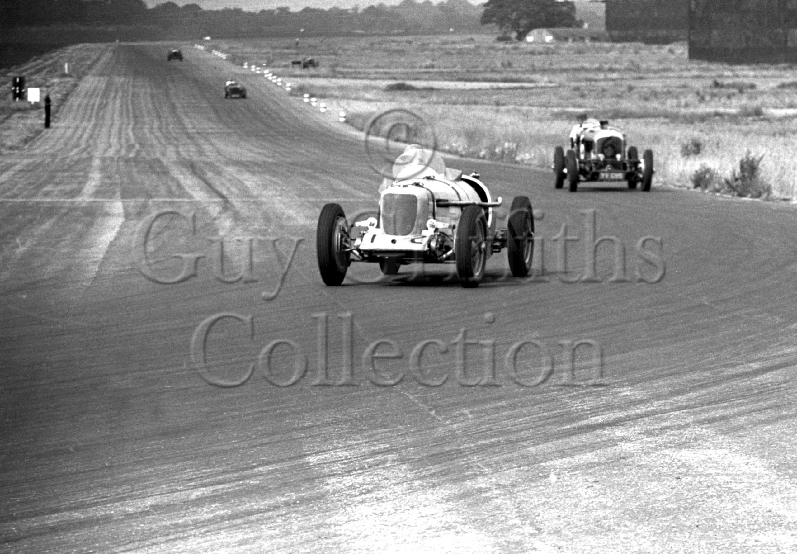 17-712–H-Richards–Riley–Silverstone–02-07-1949.jpg - Guy Griffiths Collection