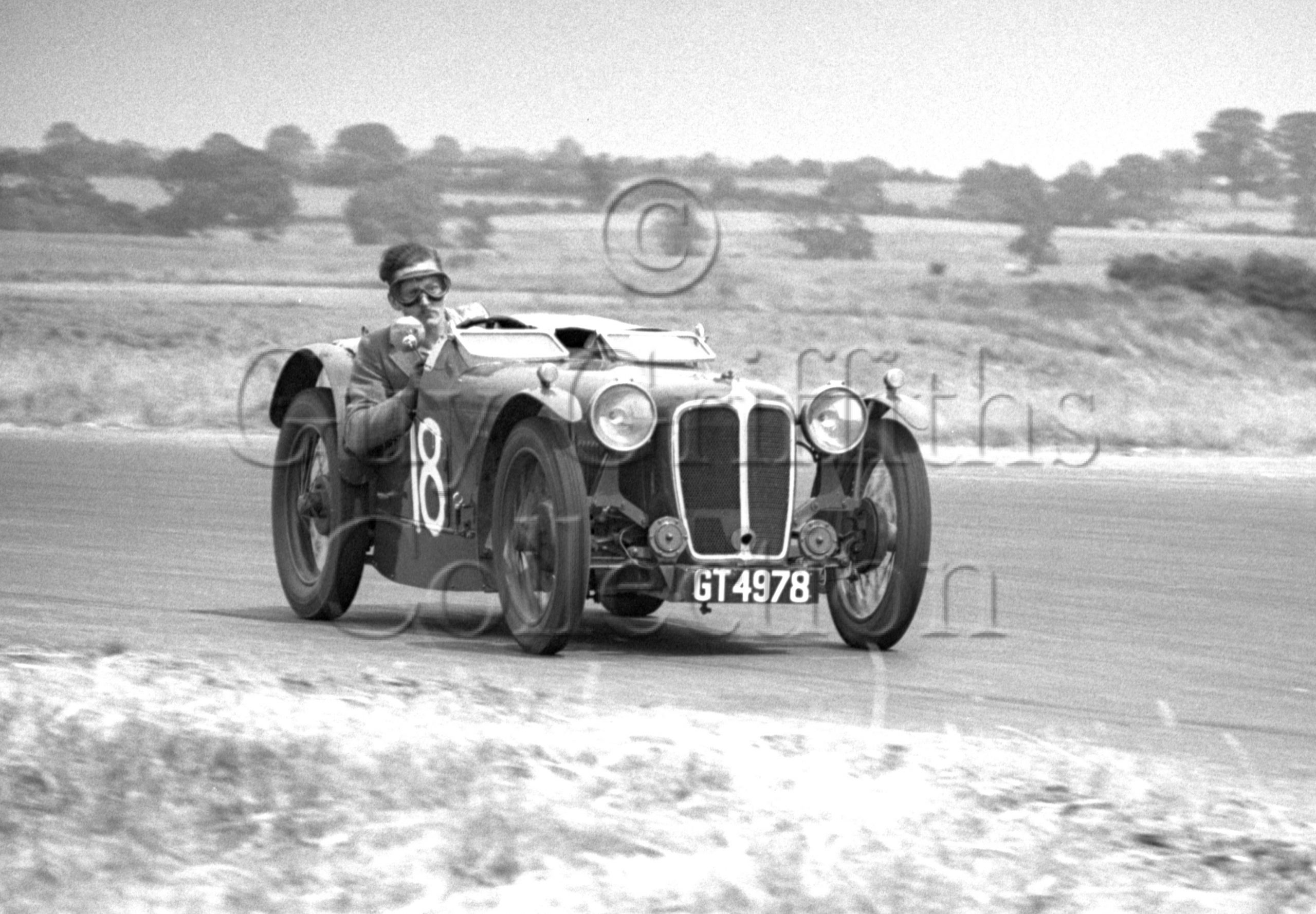 17-995–N-F-Watson–Austin–GT-4978–Silverstone–02-07-1949.jpg - Guy Griffiths Collection