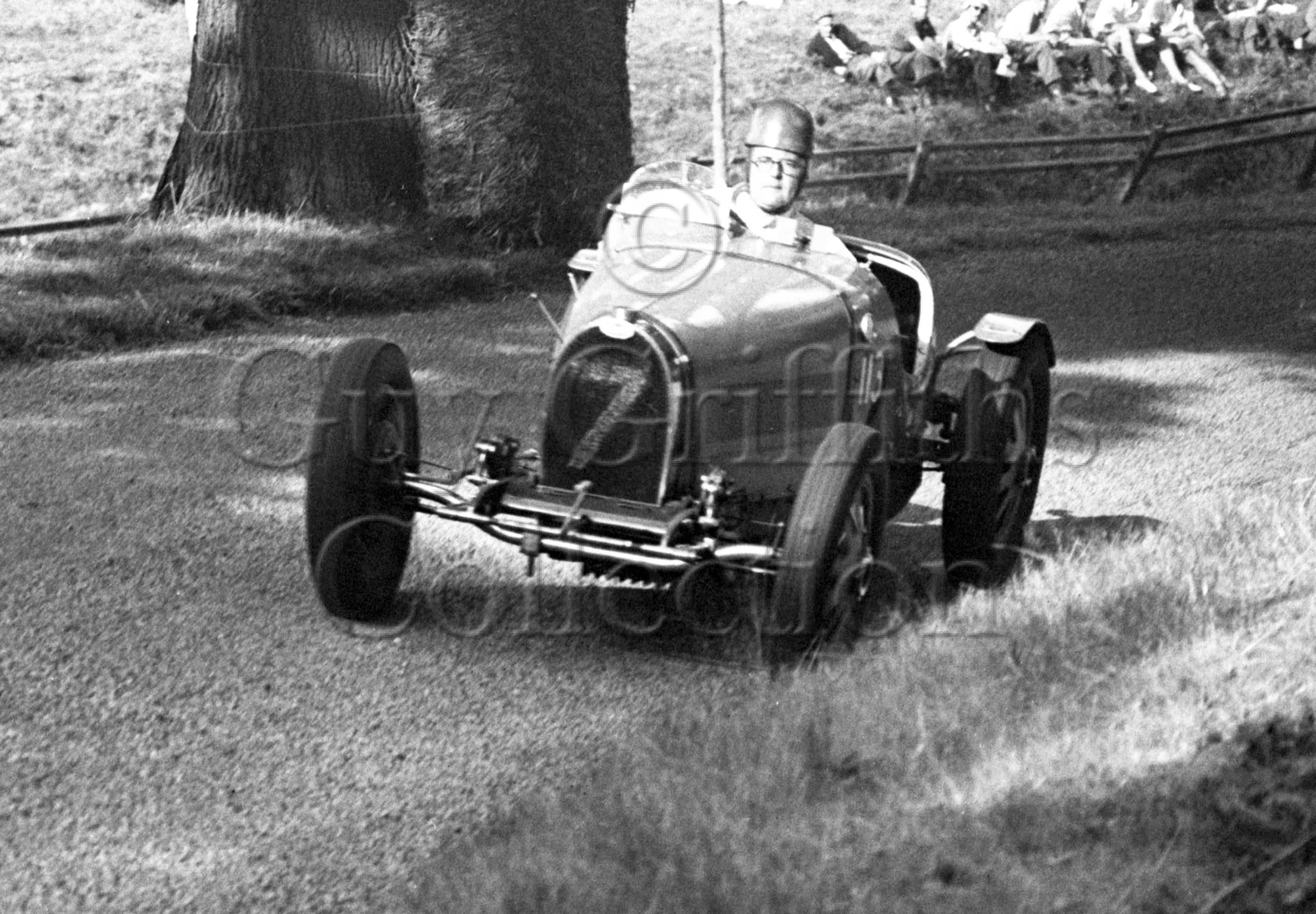21-457–J-M-Perkins–Bugatti–Great-Auclum–14-08-1949.jpg - Guy Griffiths Collection