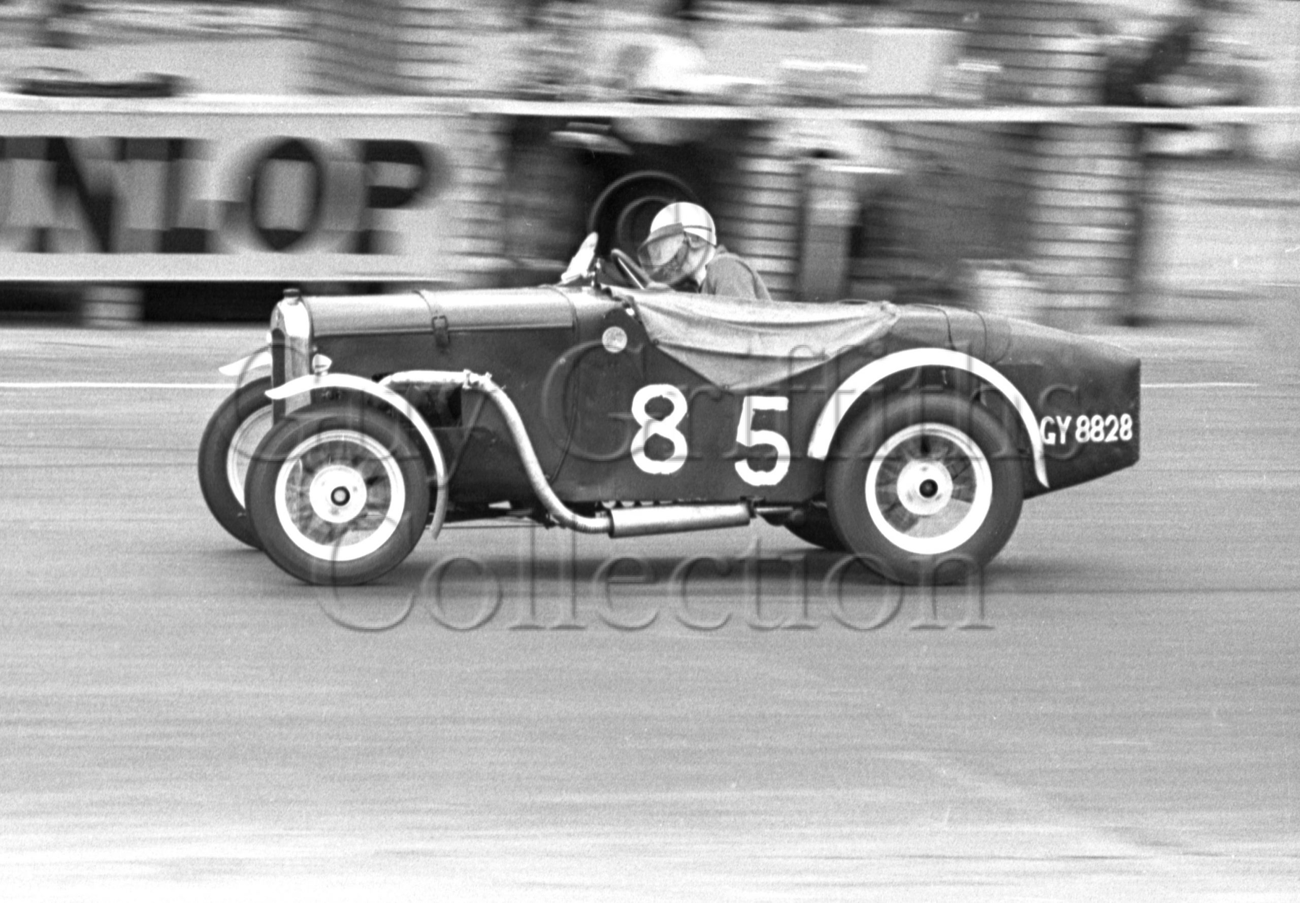 58-346–J-Michelson–Austin-Sports–GY-8828–Silverstone-26-07-1952.jpg - Guy Griffiths Collection